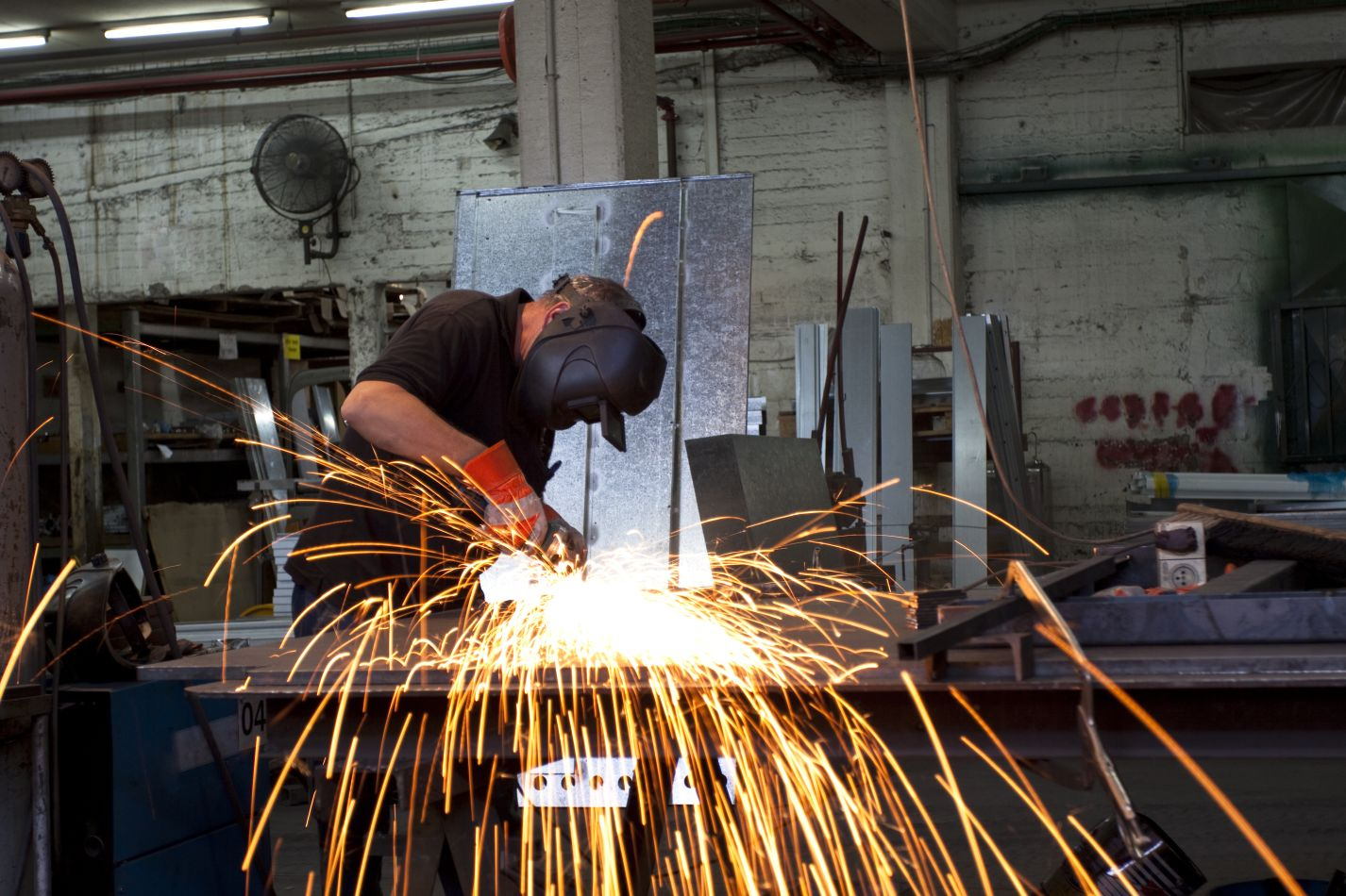 Service Metal Fabrication Toronto : Welding pt metalwerx